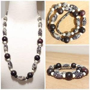 Beautiful cloth and wood necklace